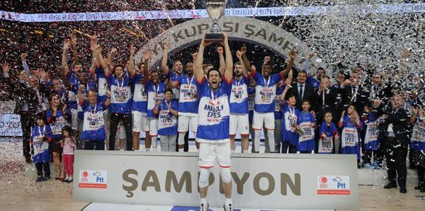 Kupada şampiyon Anadolu Efes!