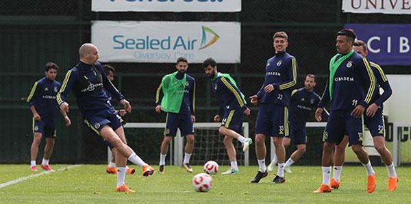 Fenerbahçe'de Beşiktaş maçı hazırlıkları başladı
