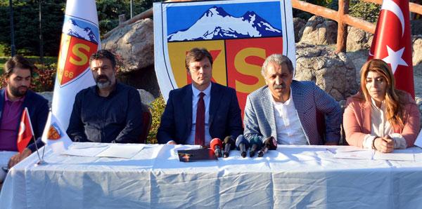 Ertuğrul Sağlam, Kayserispor'la 3 yıllık sözleşme imzaladı