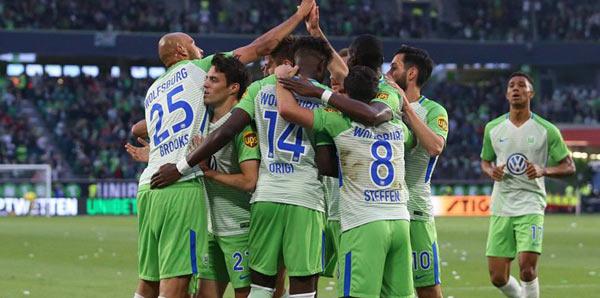 Wolfsburg, Bundesliga'da kalmak için avantaj yakaladı