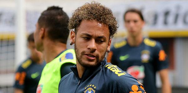 Real Madrid'den Neymar için rekor teklif!