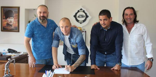 Altay, Bulgar stoper Ivanov ile ön protokol imzaladı
