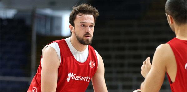 """Sertaç Şanlı: """"Euroleague'de oynamak heyecan verici"""""""