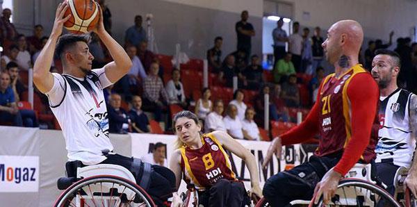 Beşiktaş'ı yenen Galatasaray şampiyon oldu