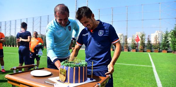 Başakşehir'de Emre'nin doğum günü kutlandı