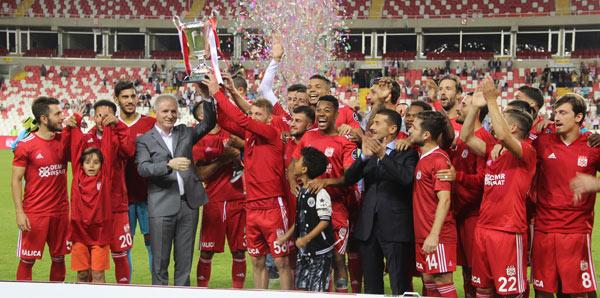 Sivasspor, Bursa'yı penaltılarla yıktı!