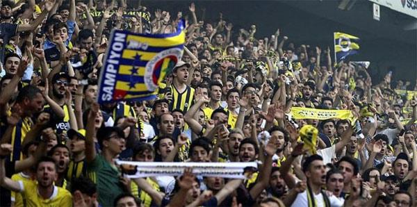 Fenerbahçeli taraftarlar Konya biletlerini tüketti