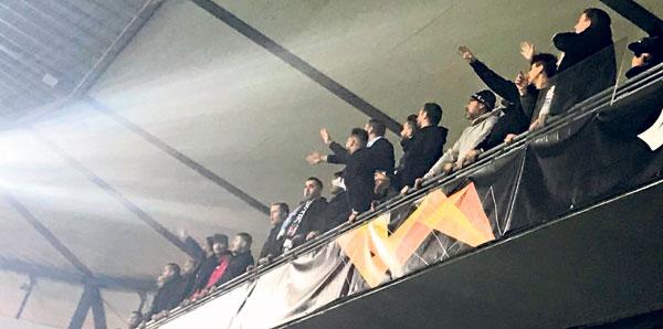 Beşiktaş'a formasız destek