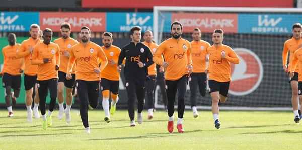 Galatasaray kafilesi Kayseri'ye gitti