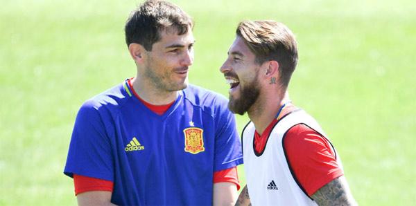 Chicago Fire'dan Casillas sürprizi!