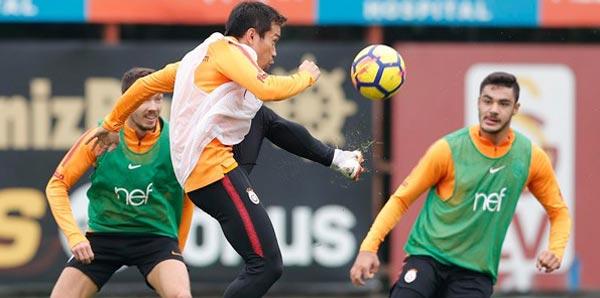 Galatasaray'da Serdar, Eren, Ozan ve Nagatomo takımla çalıştı