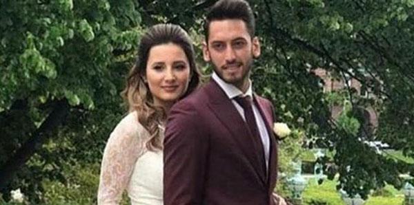 Hakan Çalhanoğlu eşi Sinem'le barıştı