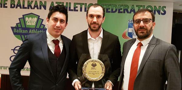 """Ramil Guliyev'e """"yılın atleti"""" ödülü"""