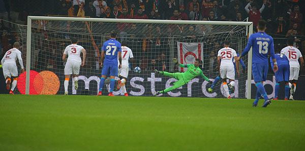 Galatasaray - Porto: 2-3 (İşte maçın özeti)
