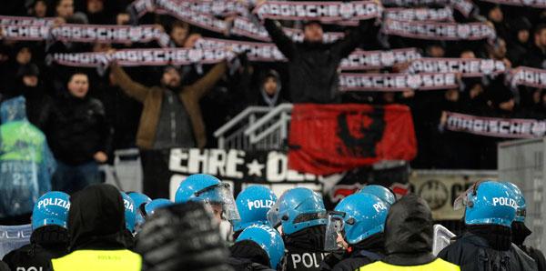 Lazio-Eintracht Frankfurt maçında olay çıktı