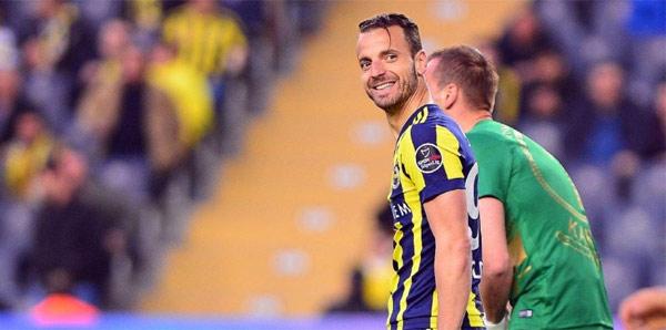Büyük sürpriz! Fenerbahçe'ye </br> geri dönüyor...