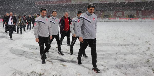 Boluspor-Galatasaray maçı ileri bir tarihe ertelendi!