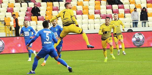 Kupada müthiş dönüş! <br> 5 gol ve 1 penaltı...