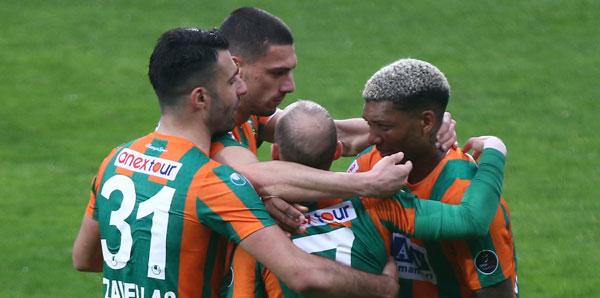Alanyaspor, Yiğido'ya şans tanımadı! 2 gol