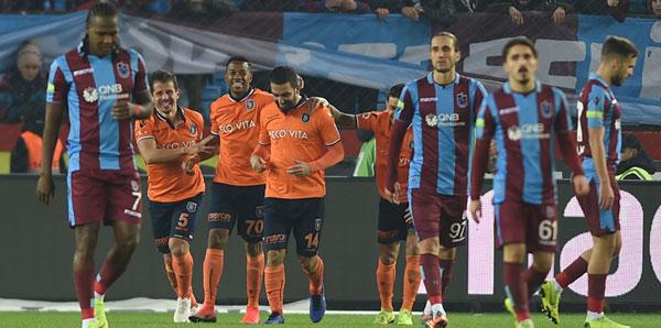 Medipol Başakşehir, Trabzon'da da kazandı!