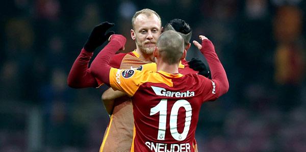 Semih Kaya resmen Galatasaray'da!