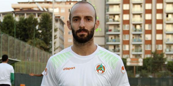 Efecan Karaca teklifi kabul etti! İki yıllık sözleşme...