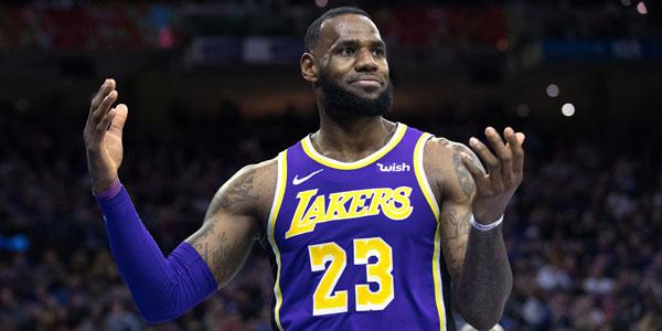 76ers, Lakers'ı farklı yendi