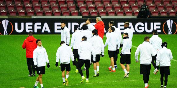 Benfica Galatasaray: Benfica, Galatasaray Taktiğine çalıştı!