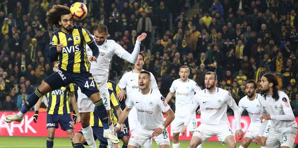 F.Bahçe 10 kişi kalan Konyaspor'u geçemedi: 1-1