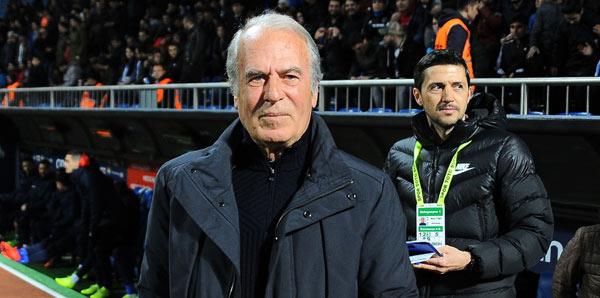 """Mustafa Denizli: """"Pes etmeyeceğiz"""""""