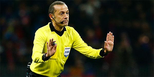Olympıque Lyon-Barcelona maçı Cüneyt Çakır'ın!