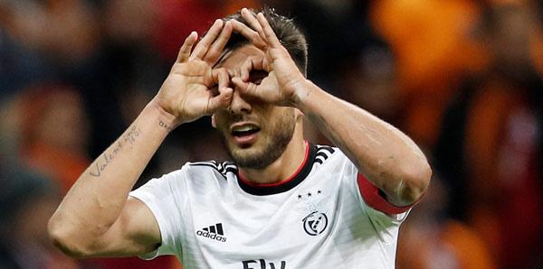 Benfica'yı yıkan sakatlık! 4 hafta...