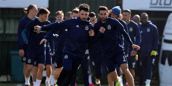 Fenerbahçe Zenit: Fenerbahçe'de Zenit Hazırlıkları Sürüyor