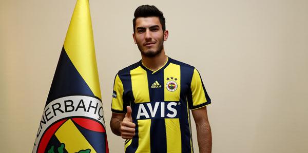 Fenerbahçe'den çifte imza! Resmen...