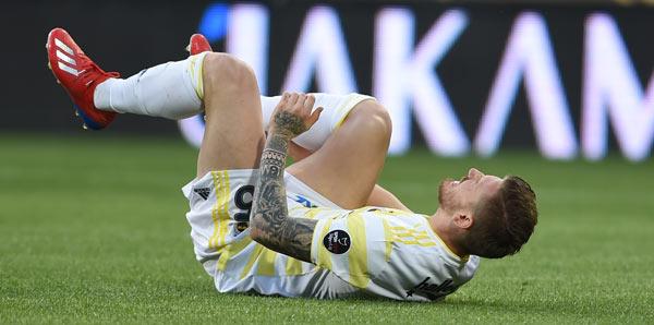 Fenerbahçe'de Trabzon öncesi çifte şok!