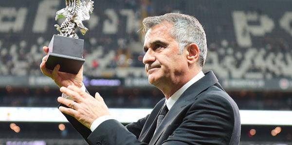 Şenol Güneş, Beşiktaş'taki son maçına çıktı