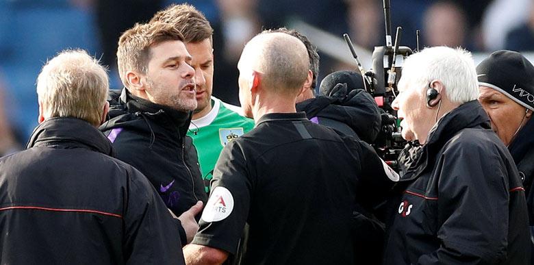 Tottenham menajeri Pochettino hakemin üzerine yürüdü!
