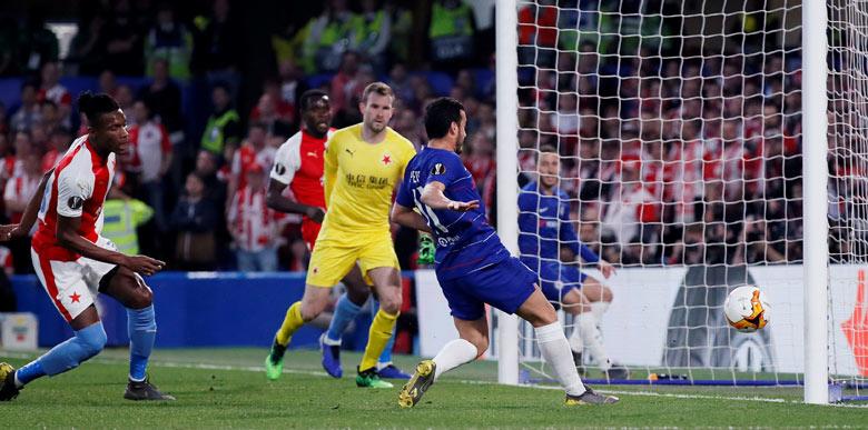 Chelsea-Slavia Prag maçında inanılmaz an! 1 metreden atmadı...