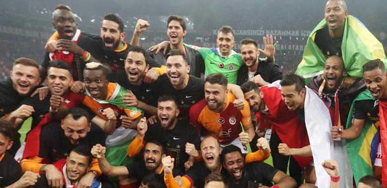 Galatasaray şampiyon oldu, tebrik yağdı
