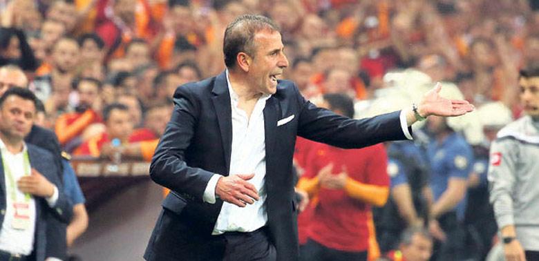 Beşiktaş'ta gözler yeni hocada!