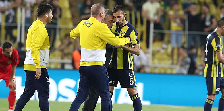 Fenerbahçe'de Mehmet Topal'a şok! Taraftar ve Yanal...
