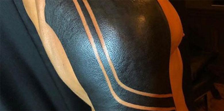 Yeni dövmesi şaşırttı! Ünlü kaleci...