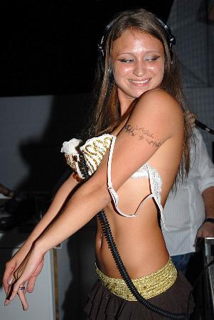 antalya belek Amnesia Disco rus dj ange bikini çıplak üstsüz