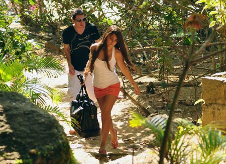 Messi, sevgilisi ile tatilde