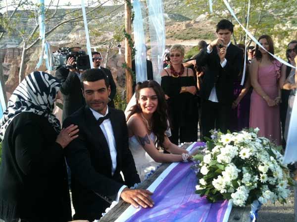 Birce Akalay ve Murat �nalm�� �rg�p'de evlendi