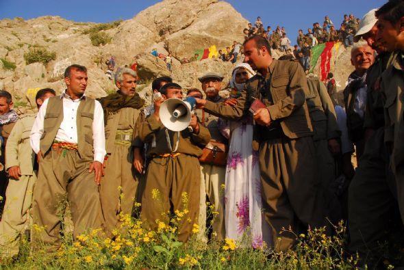 Kuzu kırpma festivali pkk gösterisine dönüştü