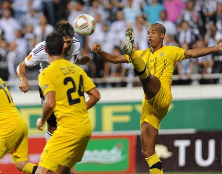 Beşiktaş gol oldu Maccabi'ye yağdı