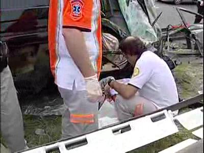 Bengü trafik kazası geçirdi