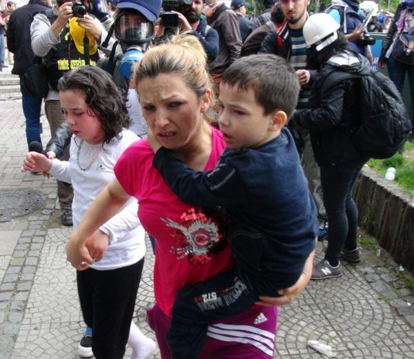Evde bulunan çocuklar gazdan etkilendi