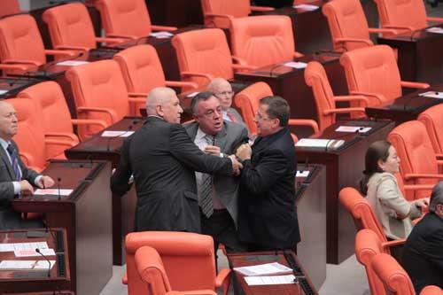 Meclis karıştı !